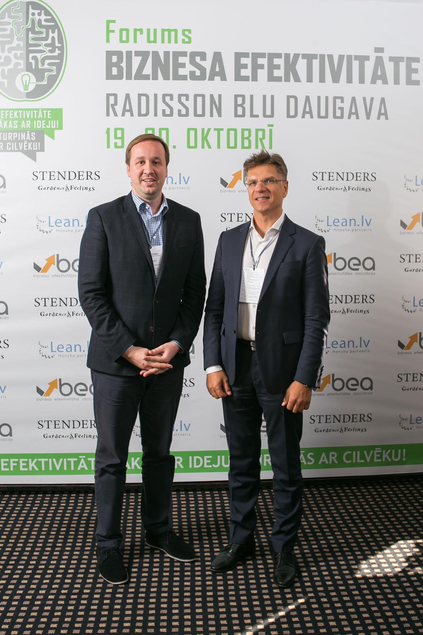 Efektyvesnio verslo link: Latvijoje vykusioje konferencijoje nuolatinio tobulėjimo raktu įvardintas vadovas